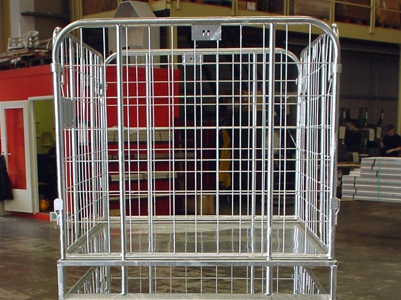 An image of Alcomij's stackable steel crate