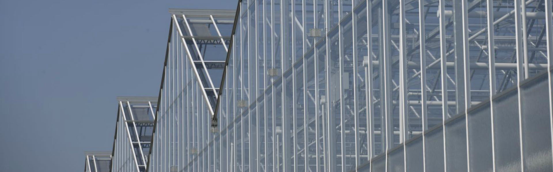Widespan greenhouse gable system